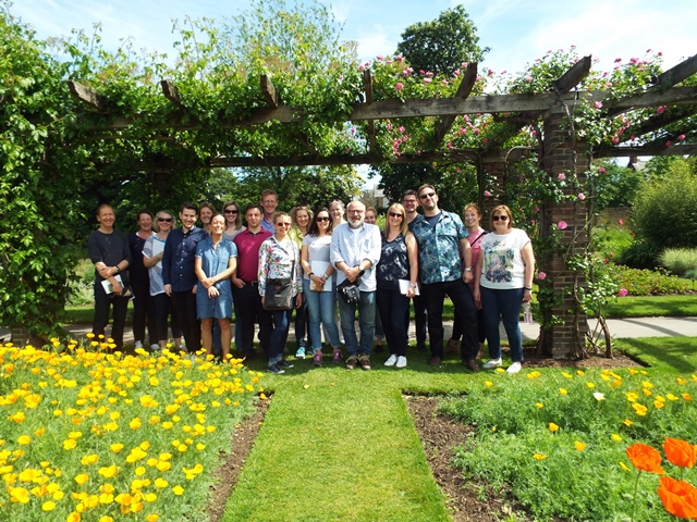 Kew walkabout with garden design students